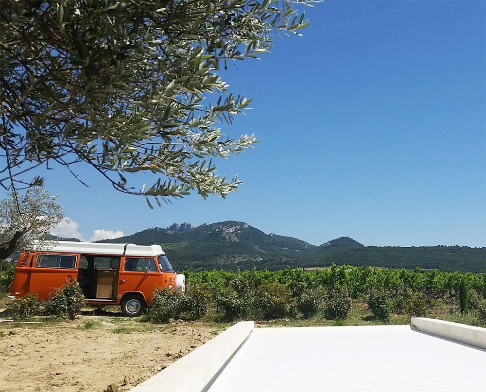 Domaine de la Tourade Gigondas Gîte Combi VW 1975 Riviera