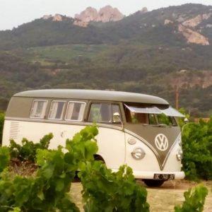 Pique-nique dans les dentelles de Montmirail combi VW Domaine de la Tourade Gigondas