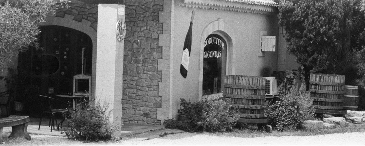 Domaine de la Tourade Gigondas Vacqueyras achat et vente de vins